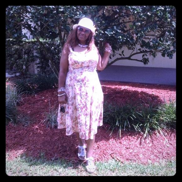 55c3b168b7 Eva Mendes Dresses   Skirts - Beautiful sundress